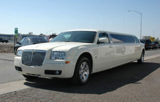 Chrysler 300c Limo White